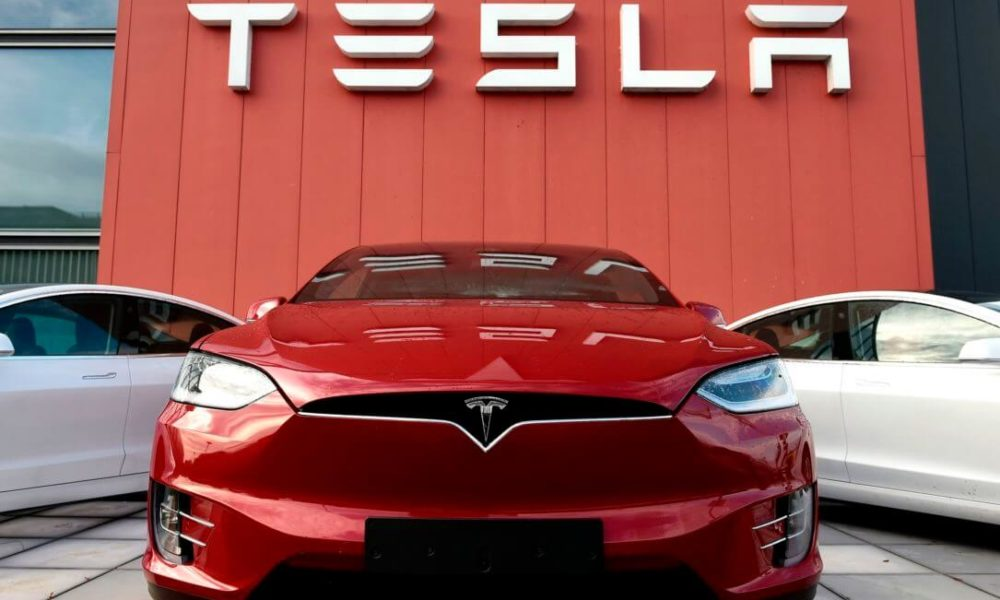 As Tesla Trounces Toyota, Car Sales Plunge to Great Recession Levels